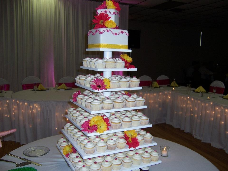 4 tier wedding cake for 200 wedding cakes 10395